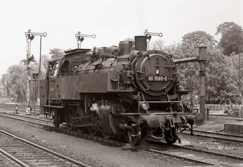 86 1589-0